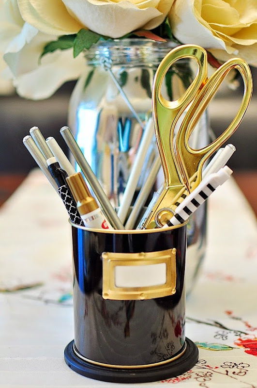 From silver to gold in minutes using a Krylon Gold Leafing Pen. Find other quick DIY projects at www.monicawantsit.com