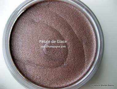 Bourjois-Pink-Glace-24h-cream-eye-shadow