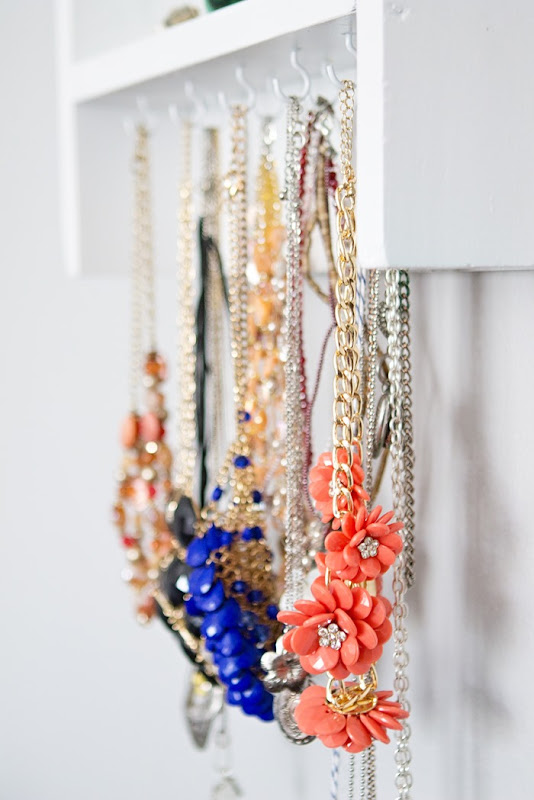 DIY jewelry display, jewelry organizer
