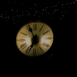 The clock is running by Patrick Mous - Novices Only Objects & Still Life ( zappie, clock, christmas lights, dutch, maastricht, night, vrijthof, klok )