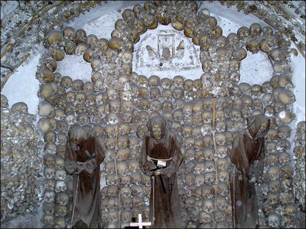 Santa Maria della Concezione dei Cappuccini 01