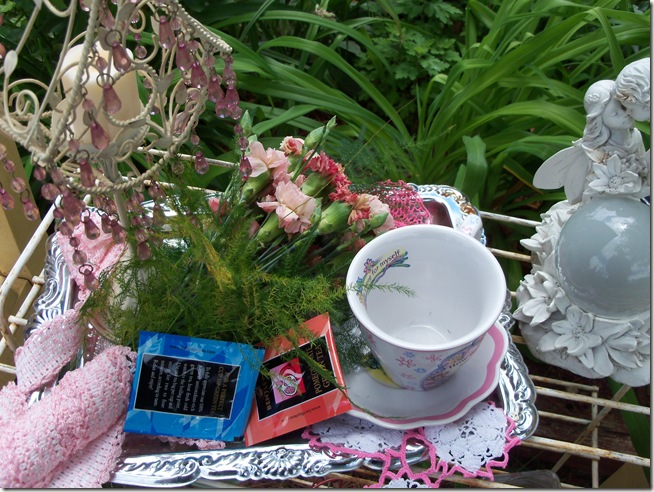 Carnation tea tray 001