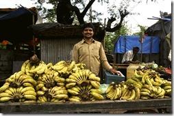 orchha khajuraho 008 vendeur de bananes