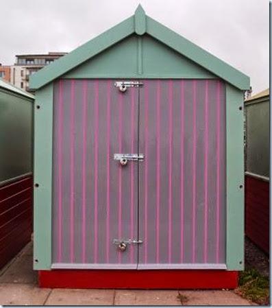 P8155888 Hove hut