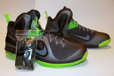 nike lebron 9 gr black green dunkman 4 04 Another Look at Nike LeBron Dunkman   Different Version