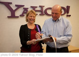 'Steve Ballmer signs the Microsoft-Yahoo! agreement' photo (c) 2009, Yahoo! Blog - license: http://creativecommons.org/licenses/by/2.0/