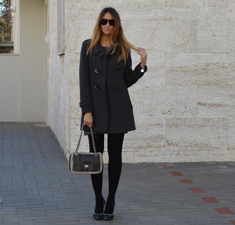Gray Dress, pomikaki, Pomikaki Bag, Rinascimento, Cappotto Rinascimento, Doclce & Gabbana, Dolce & Gabbana Heels, Gray Coat, Cappotto Grigio