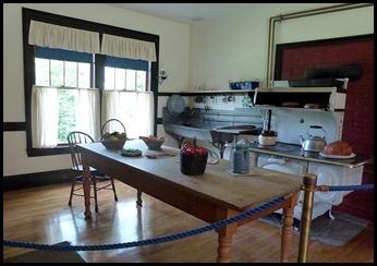 2h - Roosevelt Cottage - kitchen