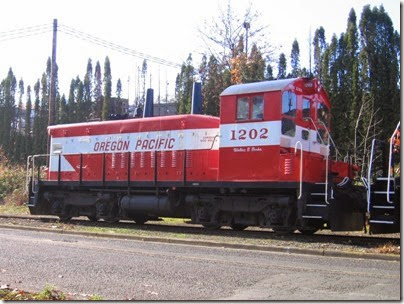 IMG_9320 Oregon Pacific SW1200RSu #1202 in Milwaukie on November 7, 2007
