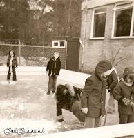 Schaatsen op ons eigen zwembad