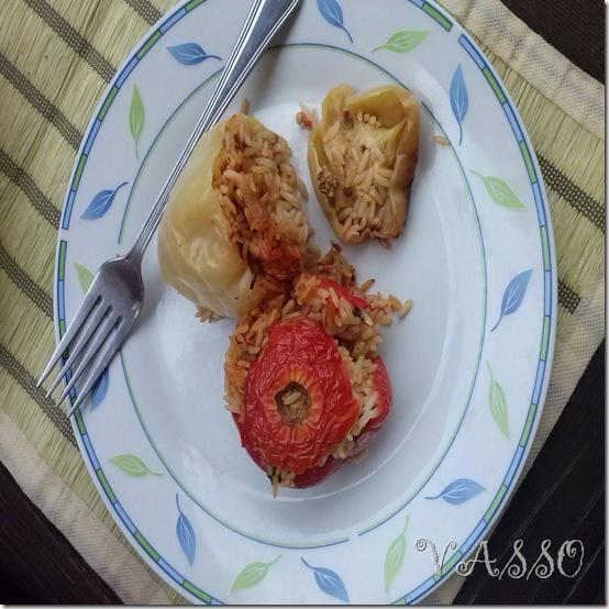 punjeni paradajzi i paprike sa rizom