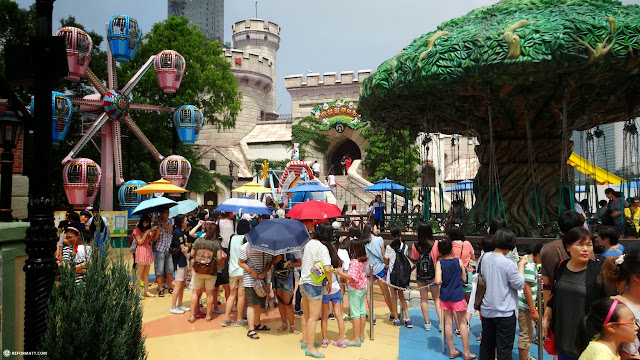 gorgeous day at the outdoor area of Lotte World in Seoul in Seoul, Seoul Special City, South Korea