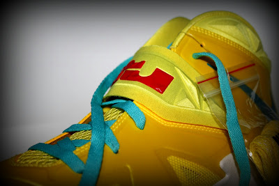 nike zoom soldier 7 ss yellow blue 1 03 Nike Zoom Soldier VII   Sonic Yellow / Blue Gamma   Sample