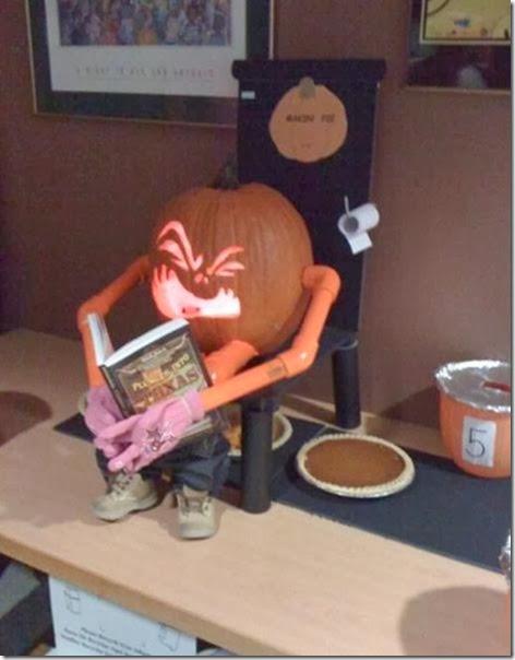 pumpkin-carving-2013-14