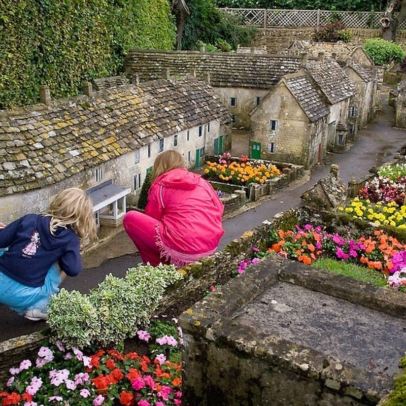 The Recursive Model Villages of Bourton-on-the-Water