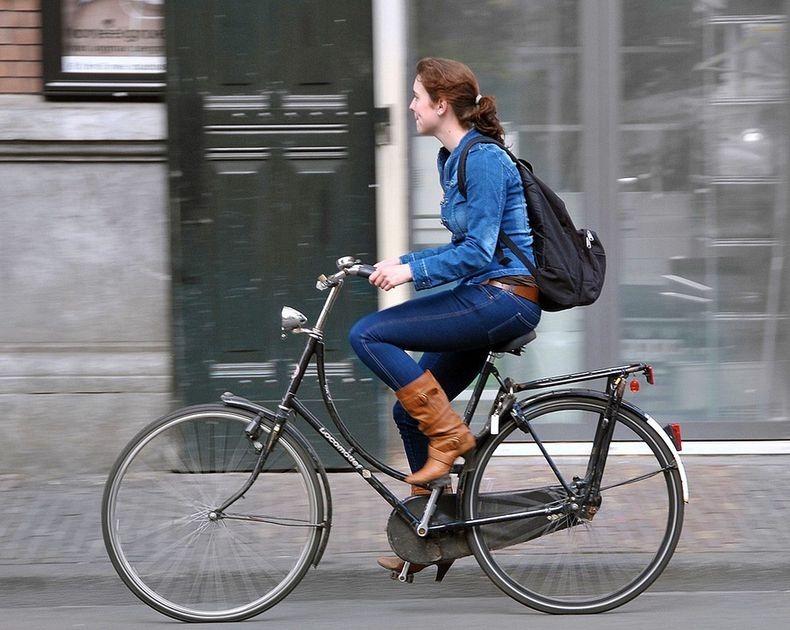 amsterdam-bicycles1-0