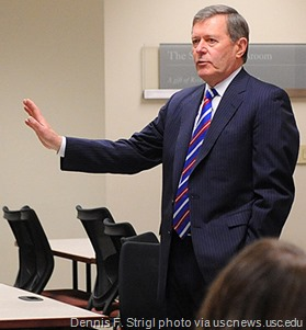 Dennis F. Strigl, former CEO of Verizon Wireless, speaks to MBA students in the Strategy and Organization Consulting course at the USC Marshall School of Business.