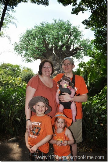 Animal Kingdom - Get a picture by the iconic Tree of Life