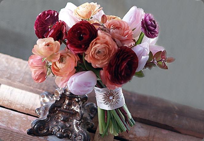 150799_10151635366948362_382324023_n alluring blooms