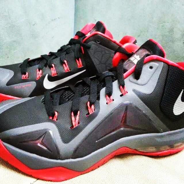 all black lebron james shoes