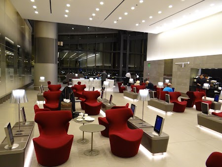 23. Business lounge.JPG