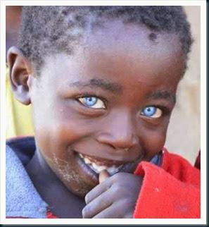 criança-olhos-azuis