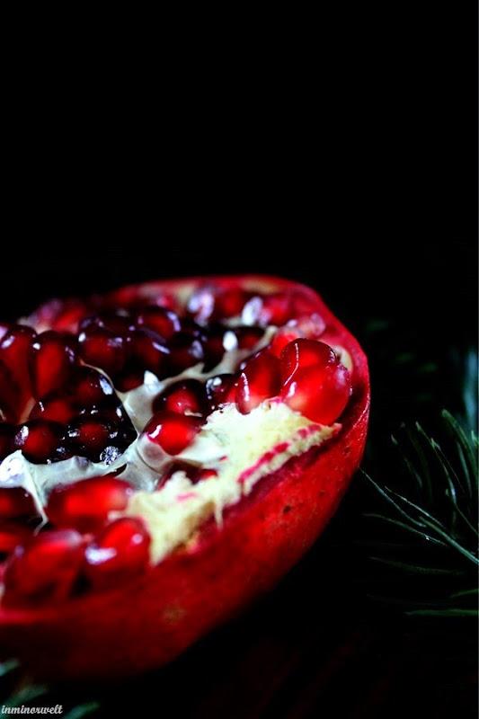 PomegranateGinSling03.jpg