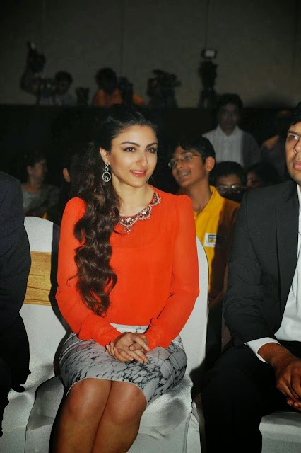 Soha Ali Khan At Classmate Spell Bee Champ 2014 Event