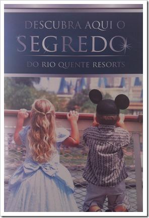 Cartaz espalhado pelo Resort