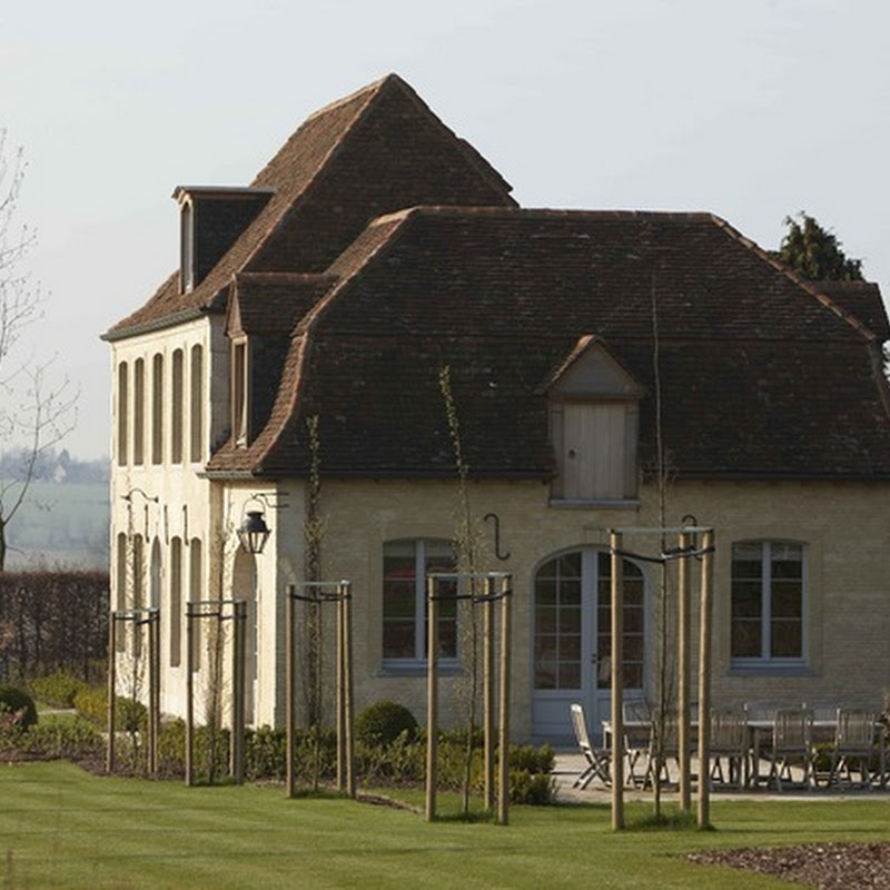 The charming country houses of François-Xavier Van Damme