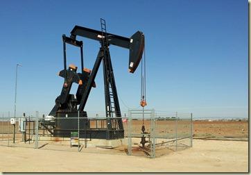 Oil pump jack Midland, TX