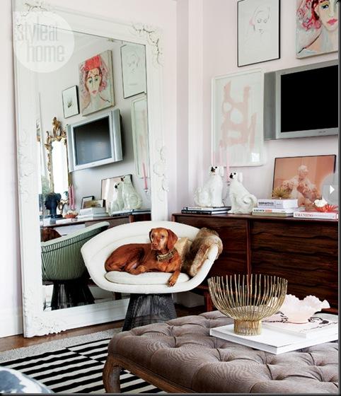salón paredes rosa pálido aparador años 50