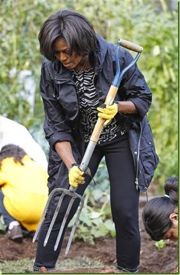 MichelleObamaWithFork