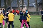 Schoolkorfbaltoernooi ochtend 17-4-2013 181.JPG