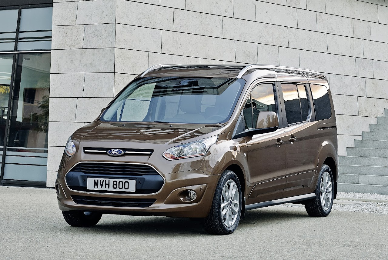 2014 Ford Tourneo Connect ve Transit Connect Türkiye'de ilk kez