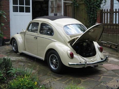 11117-00000097d-5e61_VW-Beetle-Ragtop-034