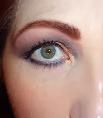 eye look with bellapierre shimmer powders