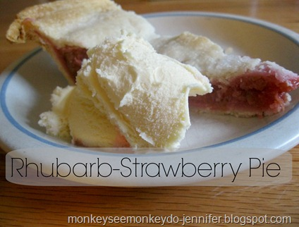 rhubarb pie with ice cream