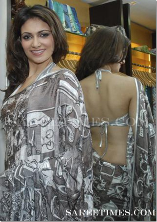 Simran_Kaur_Backless_Saree_Blouse