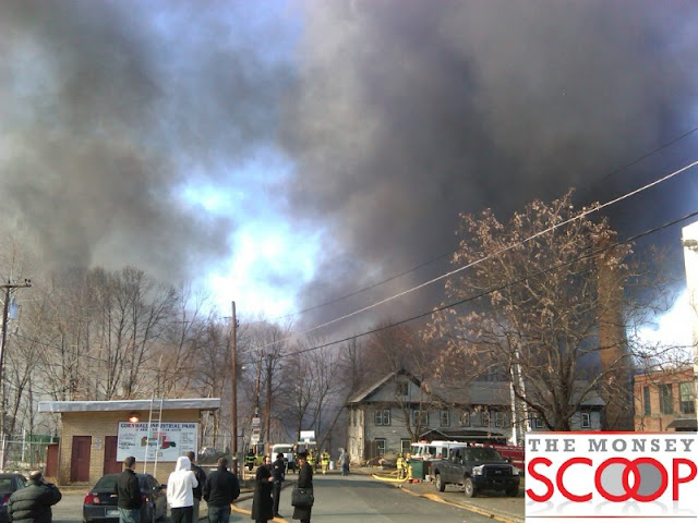 Massive Fire At Warehouse in Cornwall, NY (Photosby Yoely@comfortauto - @BB153) - cornwall%252520fire%25252010.jpg