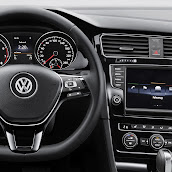 2013-Volkswagen-Golf-7-Interior-10.jpg