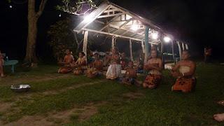 Tongan Feast am Ano Beach.