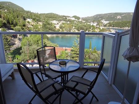 08. Balcon hotel Odysseus.JPG