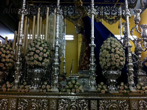 exorno-floral-salud-granada-hermandad-salesianos-semana-santa-2012-alvaro-abril-(21).jpg