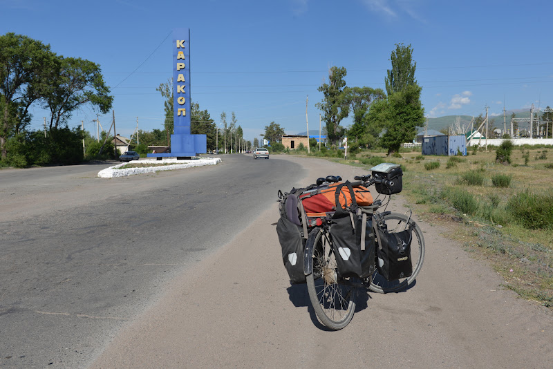 Si dupa 9000 de kilometri, ultimul oras inainte de munte.