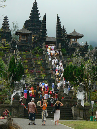 Bali pictures: the ceremony
