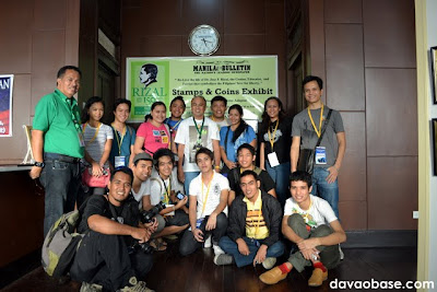 Davao Bloggers with stamps & coins collector Rene Adapon at Manila Bulletin office