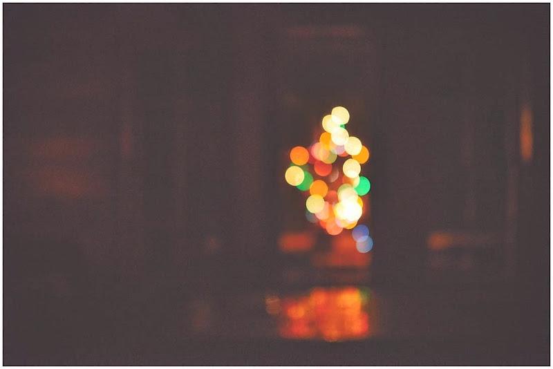 1 chrictmas light at 2am