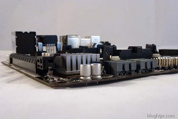 Asrock-FM2-A75M-ITX-lateral