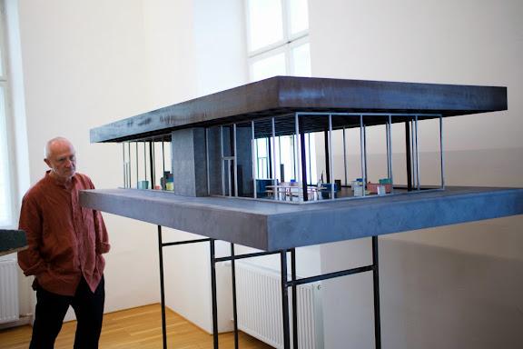 Im Postgeb‰ude wird die Zumthor-Ausstellung als Auflenstelle des Kunsthauses erˆffnet